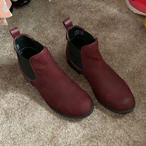 Steve Madden burgundy Chelsea booties